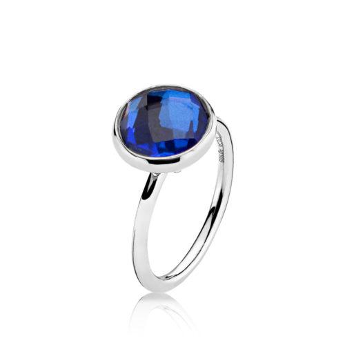 """Izabel Camille """"Prima Donna"""" ring i sølv med royal blue sten."""