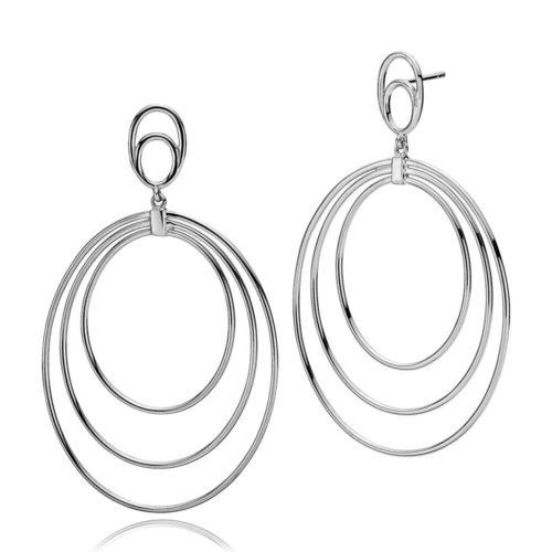 """Izabel Camille """"Universe"""" ørehænger i blankt sølv. Ørehængeren består af 3 store ovale cirkler som sidder på en ørestik med 2 ovale cirkler."""