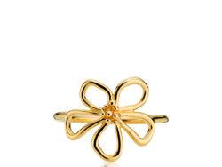 """Izabel Camille """"Honey"""" ring i forgyldt sølv. På toppen af ringen er der en blomst."""