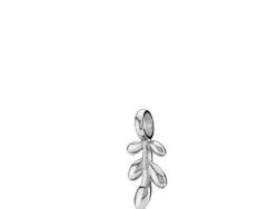 """Izabel Camille """"Olivia"""" vedhæng i sølv. Vedhænget er formet som et blad."""