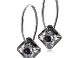 Blomdahl Medical titanium creol med grå/sort crystal. Creolen er 14 mm og vedhænget er 9 mm.